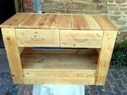 Small And Cute Pallet Media Table