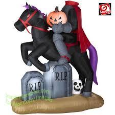 Walmart Canada Halloween Inflatables by 143 Best Coming To Halloween Inflatables 2014 Images On Pinterest
