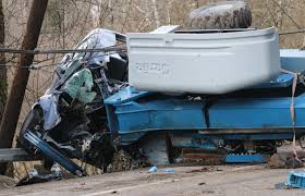 Logging Truck Accident Kills 1 And Injures 3 In Auburn - Fielding ...