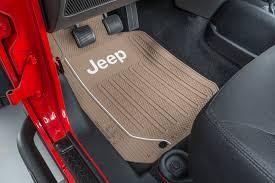 plasticolor jeep logo elite series front floor mats quadratec