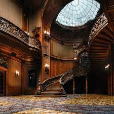 Big Luxury Colonial Home Design