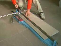 taglio di piastrelle in gres porcellanato 120cm greyboc a 90 con