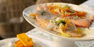 comment cuisiner la truite truite saumonée au court bouillon recettes femme actuelle