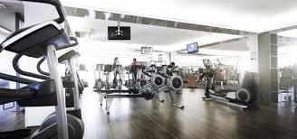 salle de sport dans salle de sport