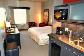 chambre d hotel avec cuisine grand times hôtel aéroport de québec hotels l ancienne lorette