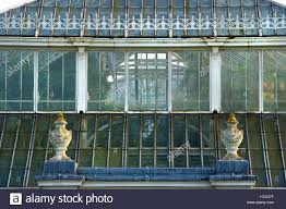 100 Cast Of Glass House Temperate Victorian Era Cast Iron Glasshouse In Kew Stock