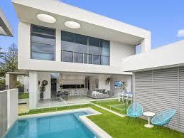 100 Beach Houses Gold Coast Beach House With A Modern Twist Hits The Market