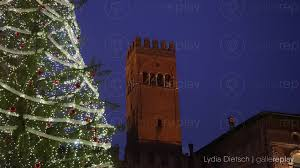 Blinking Xmas Tree Lights by Gallereplay Christmas Tree In Front Of Palace