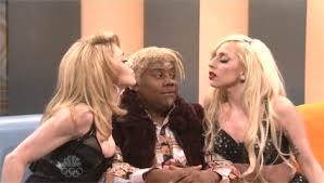 Sofa King Snl Scarlett Johansson by Saturday Night Live U2013 Ryan Reynolds Lady Gaga Cliqueclack Tv