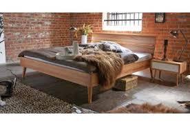 betten aus eiche wildeiche betten schlafzimmer