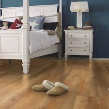 bodenbelag fürs schlafzimmer bio vinylboden oder kork