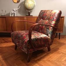 bananas fauteuil jindrich halabala aus den 30er jahren