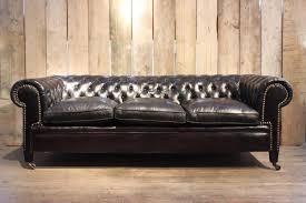 canapé chesterfield canapé chesterfield vintage en cuir noir en vente sur pamono