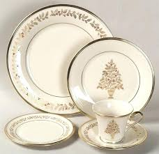 Best China Ideas On Friendly Village Inside Excellent Lenox Christmas Tree Plate 2016 R5395677