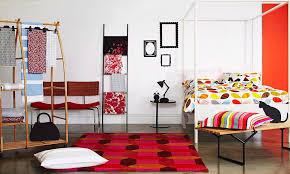 trendige ideen fürs schlafzimmer bunte bild kaufen