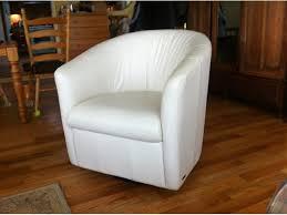Natuzzi Swivel Chair Brown by Matching Pair Natuzzi Swivel Leather Tub Chairs Saanich Victoria