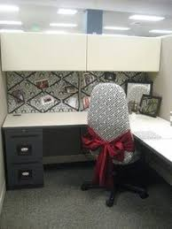 Cute Ways To Decorate Cubicle by While I U0027m Here Cubicles A Makeover Office Space