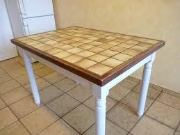 relooker une table de cuisine table cuisine carrelee avant apres la renovation de meubles sans