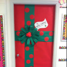 Classroom Door Christmas Decorations Ideas by Best 25 Christmas Classroom Door Decorations Ideas On Pinterest
