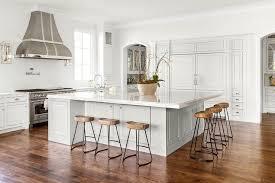 Oversized Kitchen Island With Smart And Sleek Stools