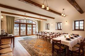 der kaminsaal und restaurant villa greta der speiseraum in
