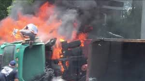 100 Local Truck Driving Jobs Jacksonville Fl Man Saves Truck Driver From Fiery Crash