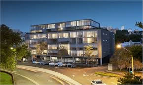 100 Woolloomooloo Water Apartments BUYERS DRAWN TO LUXE CITY LIFESTYLE IN WOOLLOOMOOLOO The