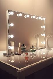 Makeup Vanity Table With Lights Ikea by Best 25 Hollywood Vanity Mirror Ideas On Pinterest Hollywood