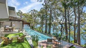 104 Water Front House Front Homes And Luxury Retreats Discounted By 1 Million Or More Amid Covid 19 Realestate Com Au
