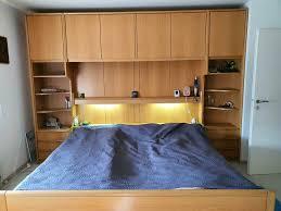 schlafzimmer möbel doppelbett bettüberbau