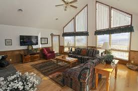 One Bedroom Cabins In Gatlinburg Tn by Shelet De Dawn A 4 Bedroom Cabin In Gatlinburg Tennessee