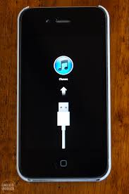 How I fixed my frozen iPhone 4s display stuck with USB icon and