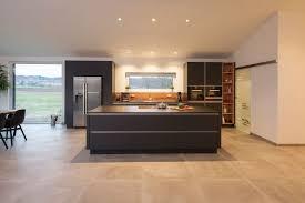 großzügige loftküche mit studiocharakter in radolfzell
