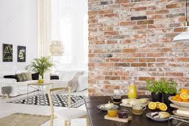 esszimmer offen für helles wohnzimmer mit sofa