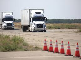 100 New Century Trucking Pelotons Selfdriving Semi Truck Is Coming Quartz