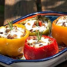 cuisine recettes journal des femmes poivrons farcis aux 3 quinoas 45 recettes aux poivrons journal