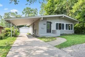 104 Beverly Hills Houses For Sale Mi Real Estate Homes Realtor Com