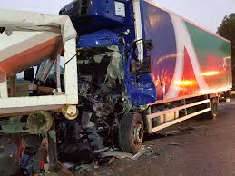 100 Truck Driver Accident 1 Killed 4 Injured As 3 Trucks And 2 Cars Collide In South The