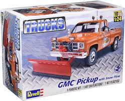 Amazon.com: Revell Monogram 1:24 -gmc Pickup With Snow Plough: Toys ...
