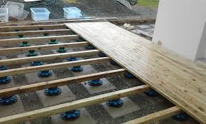 plot reglable pour terrasse bois terrasse en bois etape n 2 pose de la terrasse mornet