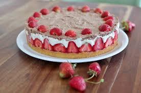 erdbeer torte mit vanillepudding und schoko sahne rezept