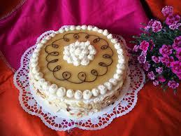 marzipan nuss torte mit preiselbeeren kleinekostbarkeit