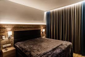 akzentbeleuchtung im schlafzimmer durch indirekte led