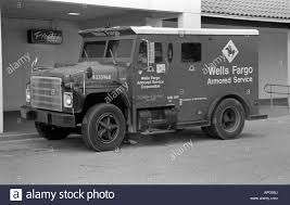 100 Armour Truck Wells Fargo Armoured Delivery And Collection Truck In Orlando Stock