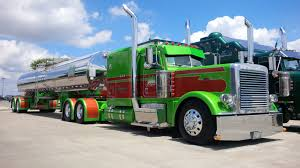 1985 Peterbilt 359 Wins Shell SuperRigs - Truck News
