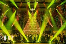 Bellevue Baptist Church Singing Christmas Tree by Bellevue Singing Christmas Tree 94 1 The Wolf