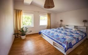 großzügige ferienwohnung in idyllischer lage auf zwei etagen