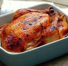 cuisiner poulet au four poulet rôti inratable à la chair tendre et fondante une plume