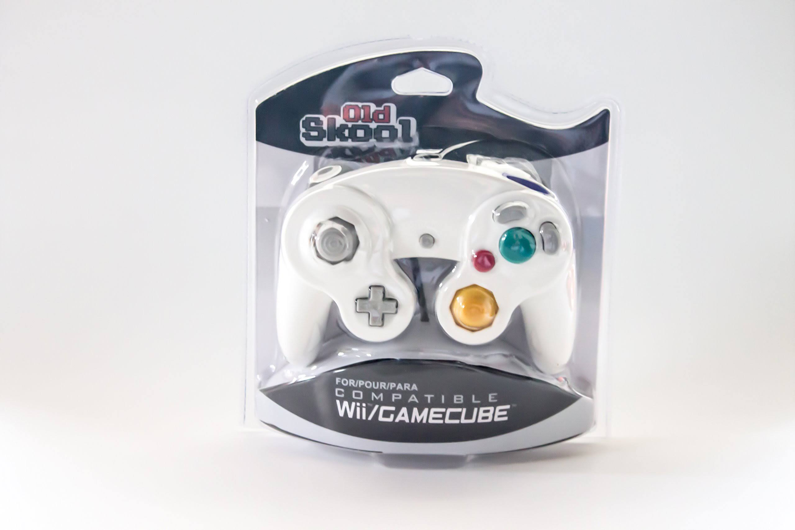 Old Skool GameCube & Wii Compatible Controller - White