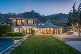 104 Beverly Hills Houses For Sale Mi Real Estate Listings And Homes